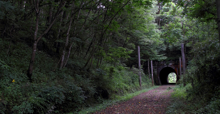 トンネルは境界
